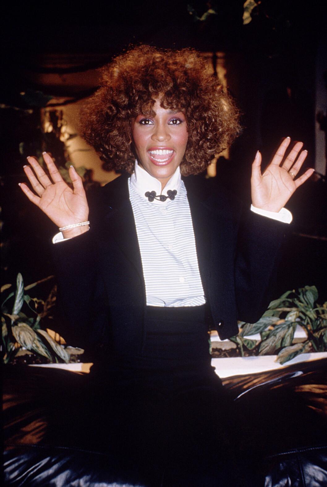 Whitney Houston i kavaj