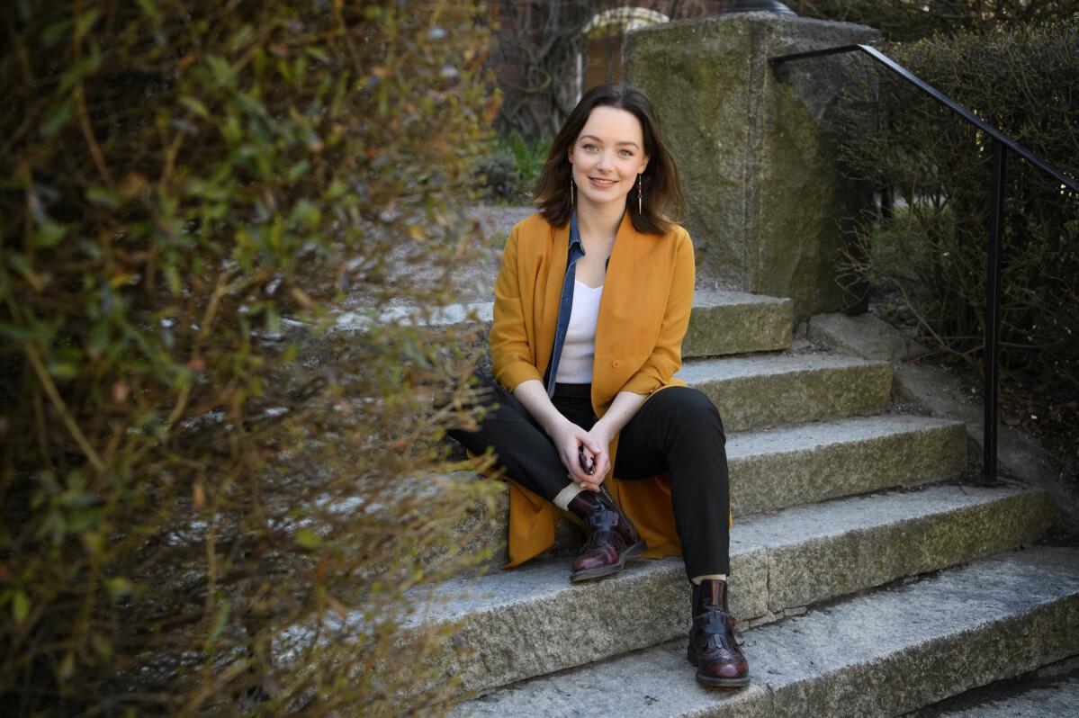 """Amalia Holm hemma i Stockholm mellan inspelningarna av tv-serien """"Motherland: Fort Salem""""."""