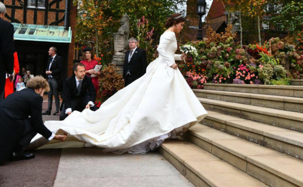 Prinsessan Eugenie i brudklänning från Peter Pilotto