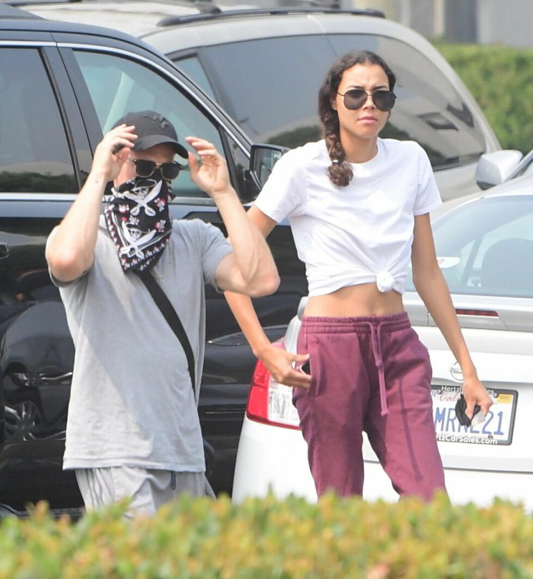 Därför flyttar Naya Riveras ex ihop med systern.