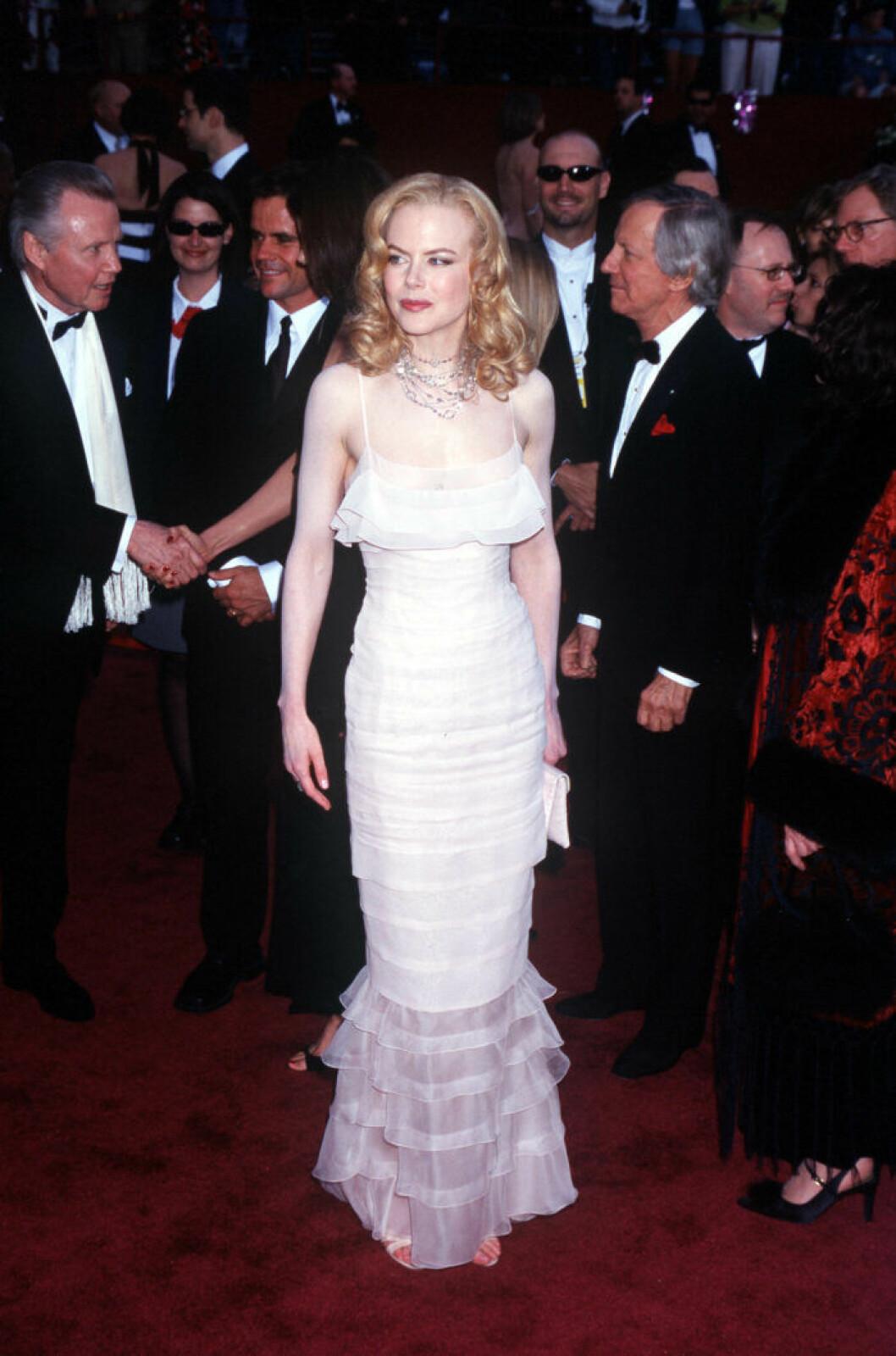 Nicole Kidman i Karl Lagerfelds design för Chanel.