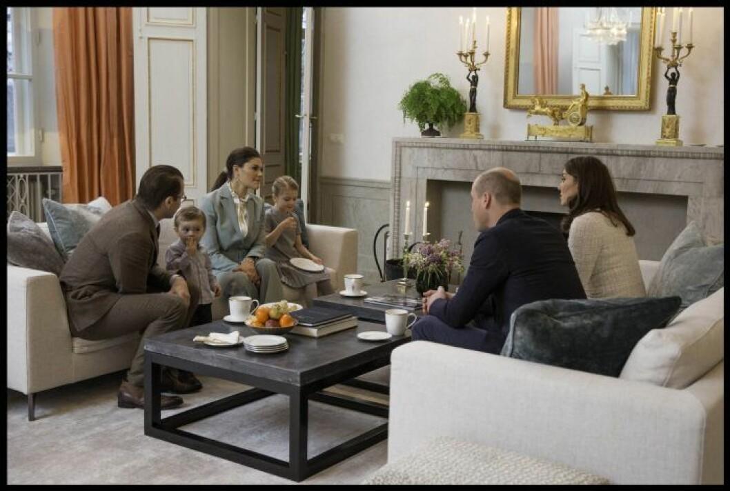 Här är prins William och hertiginnan Kate på besök i nya, läckra Haga.