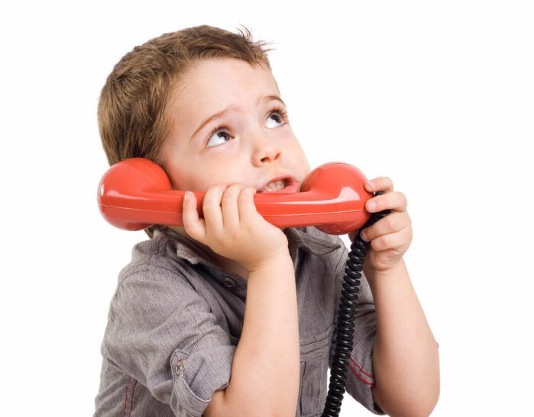 Pojke med telefonlur