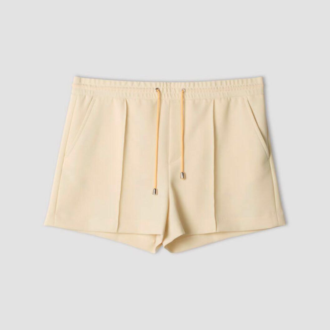 Beiga shorts från Filippa K