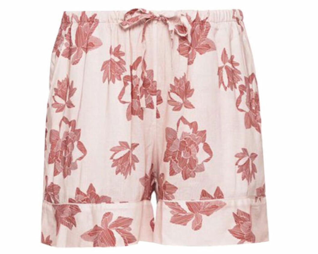 Rosa blommiga shorts