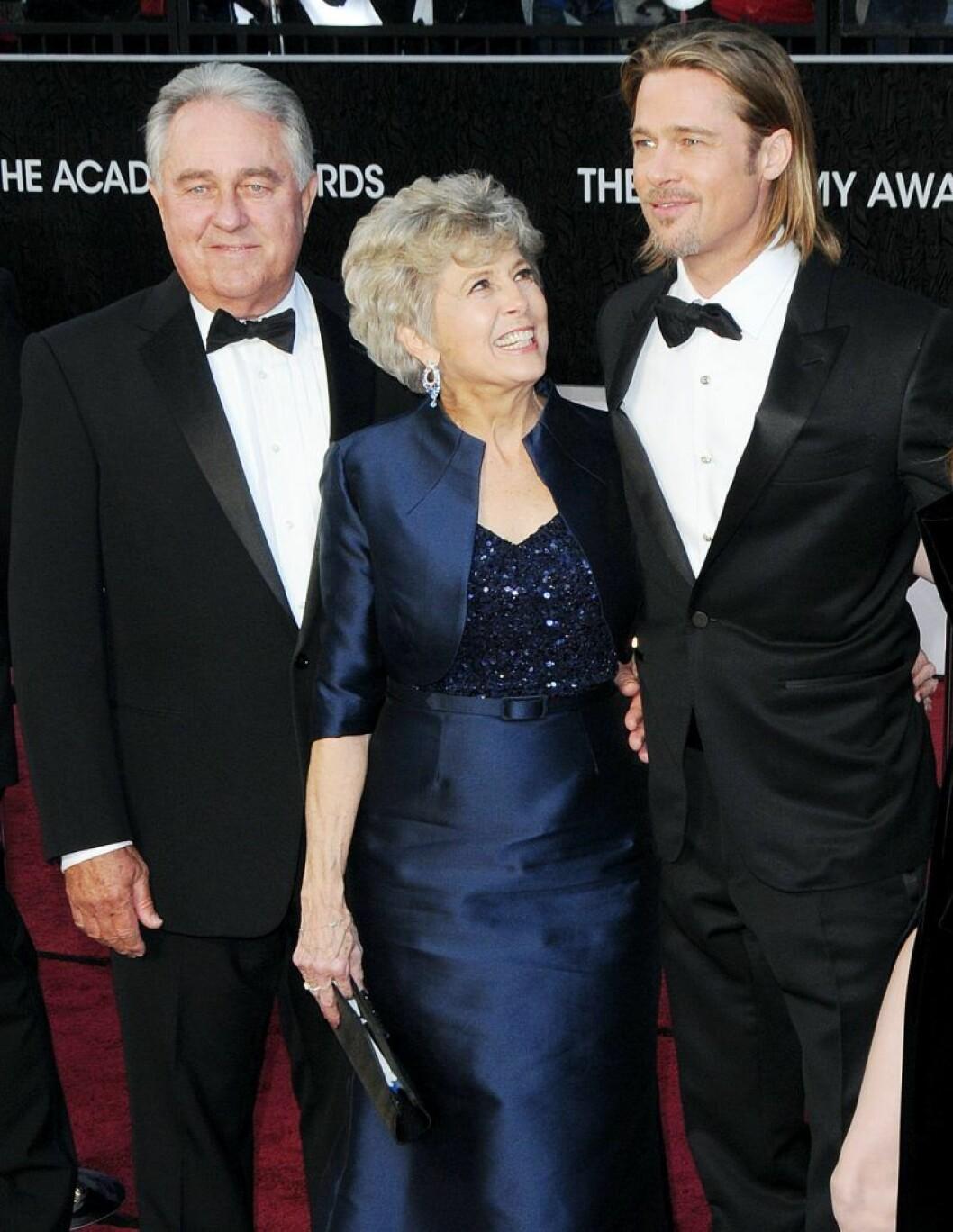 Brad Pitt med mamma Jane Pitt och pappa William Alvin Pitt
