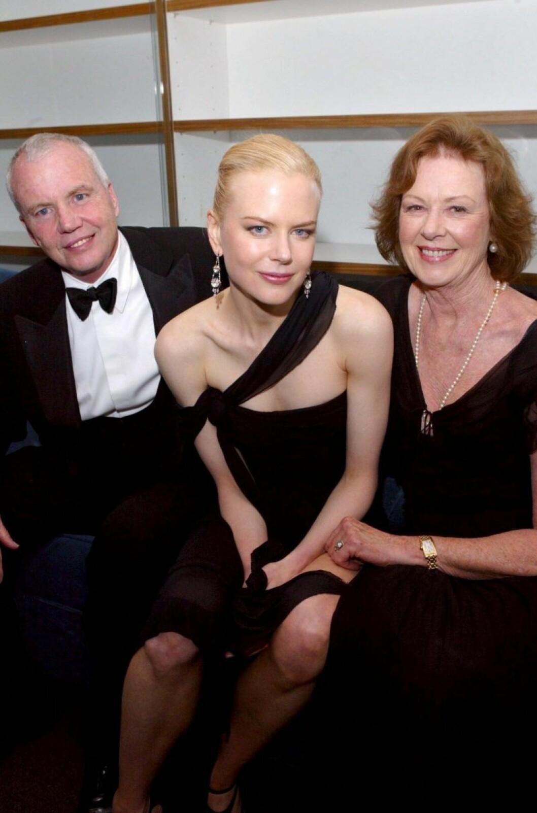 Nicole Kidman med pappa Anthony Kidman och mamma Janelle Kidman