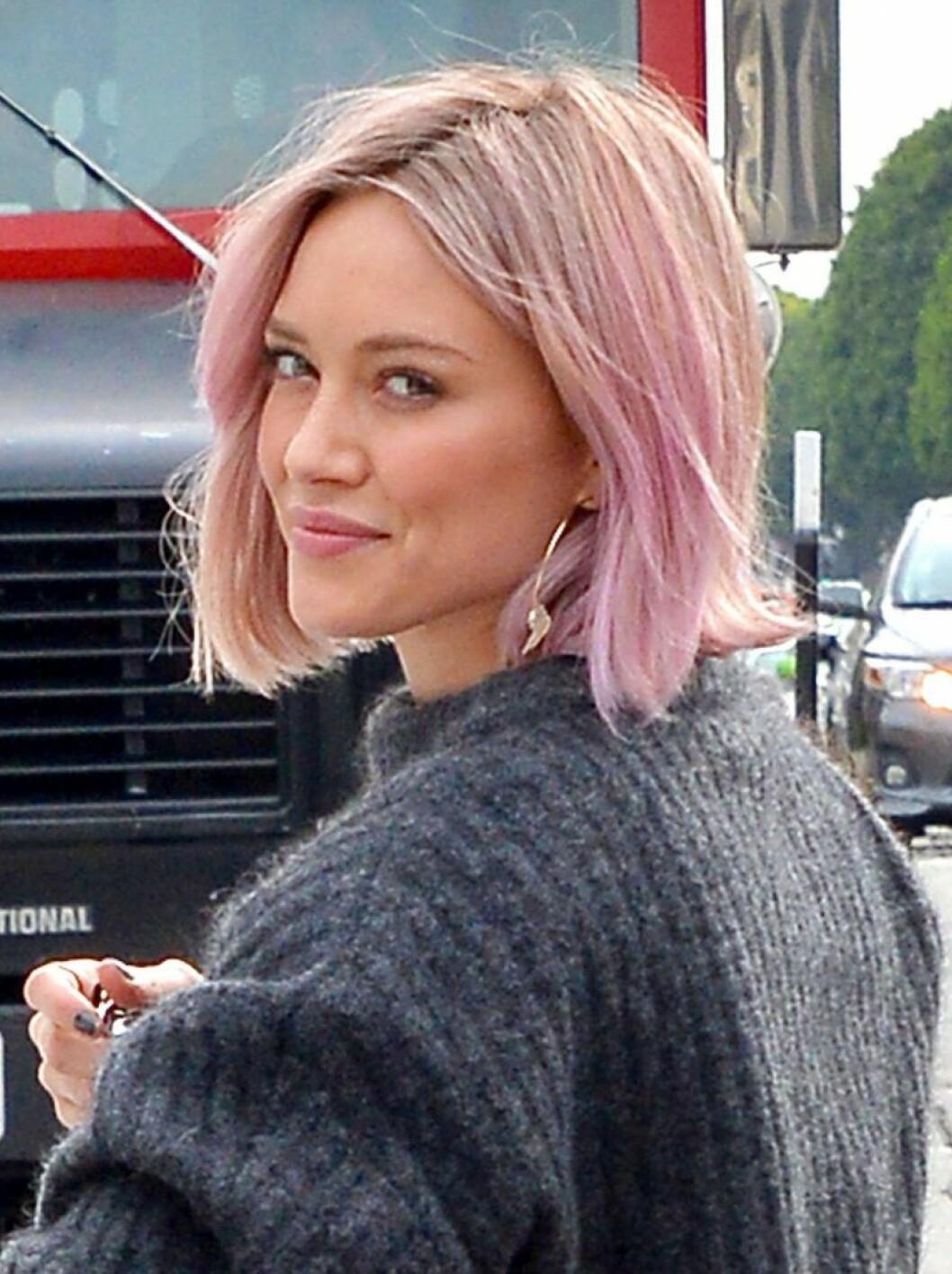 Hilary Duff i rosa hår