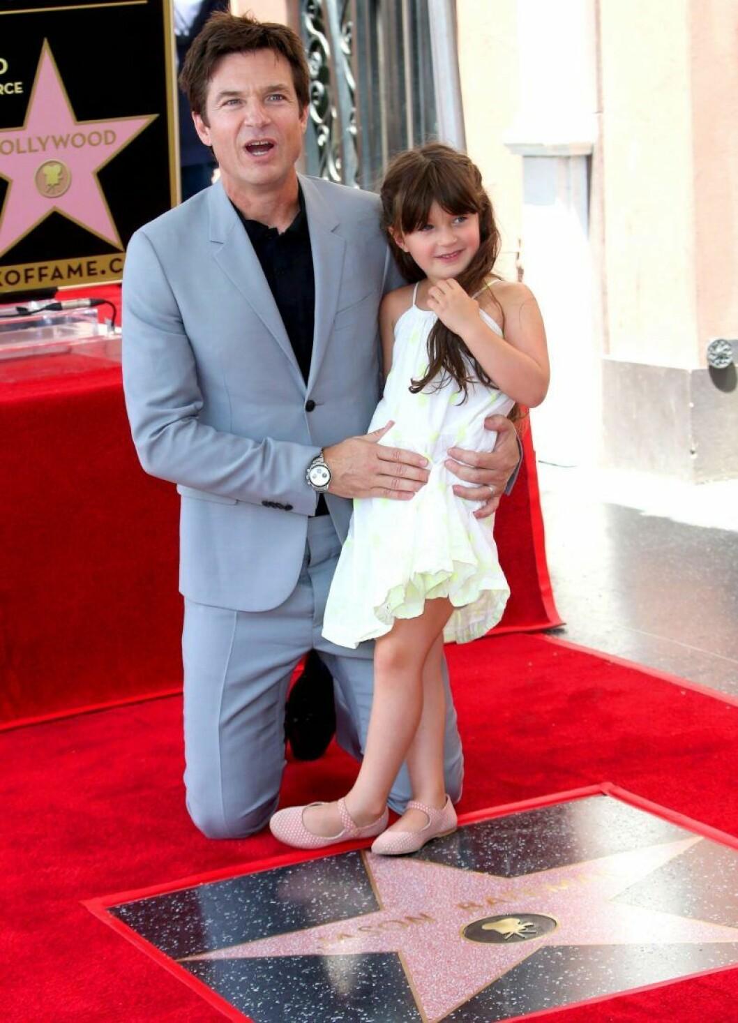 Jason Batemans dotter Maple