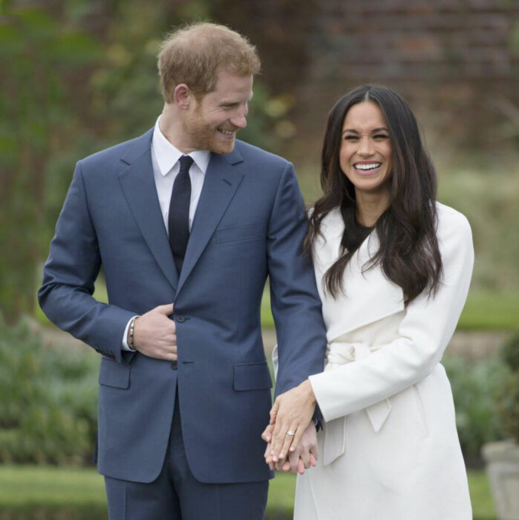 Meghan och prins Harry berättar om förlovningen.