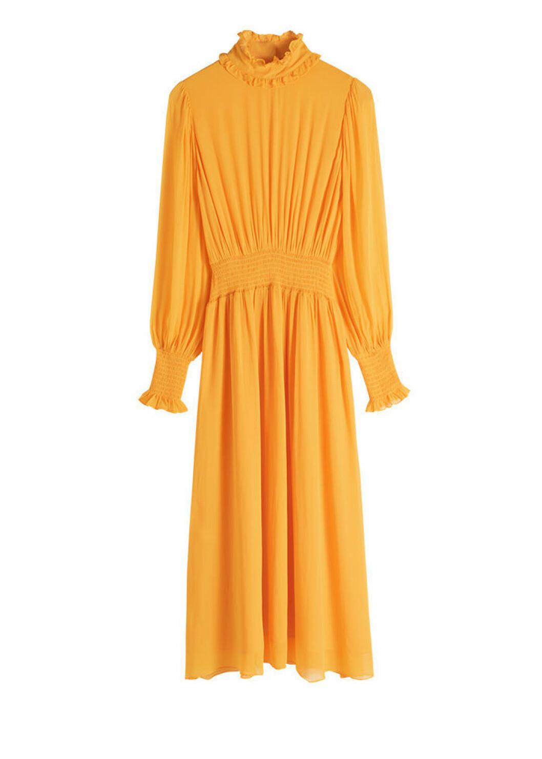Långärmad midiklänning i ljust orange