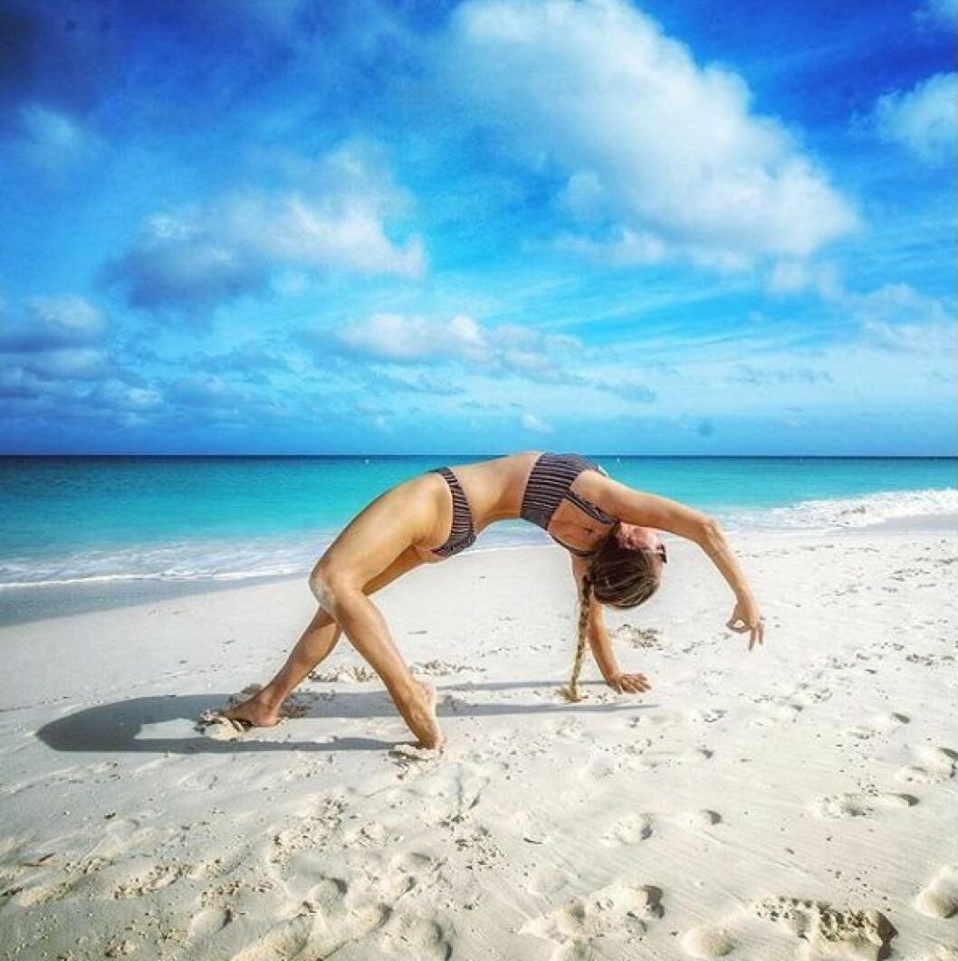 yoga girl aruba