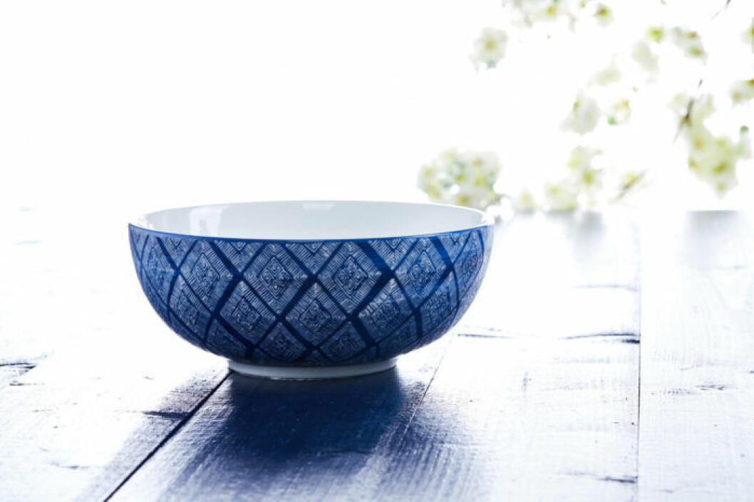 Stor skål vitblå