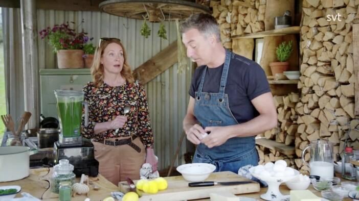 Tareq Taylor och Pernilla Månsson Colt lagar pocherade ägg i Trädgårdstider.