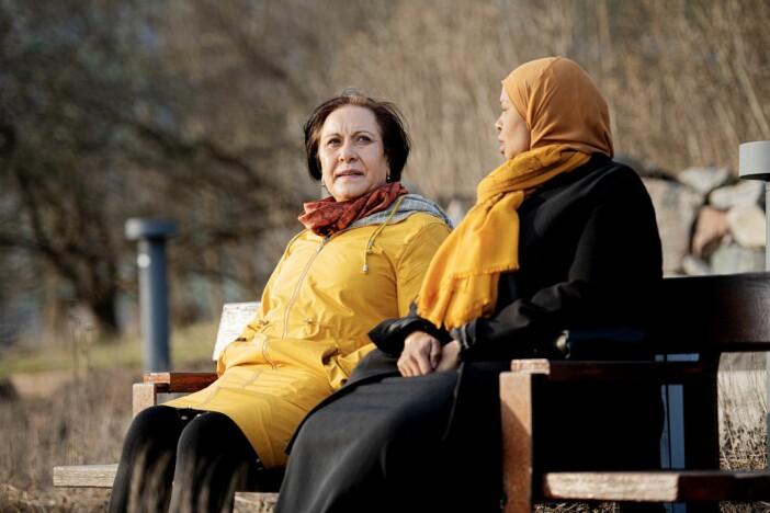 Fadumo Igal och Esme Güler är aktuella i boken Tills alla dör skriven av Diamant Salihu.