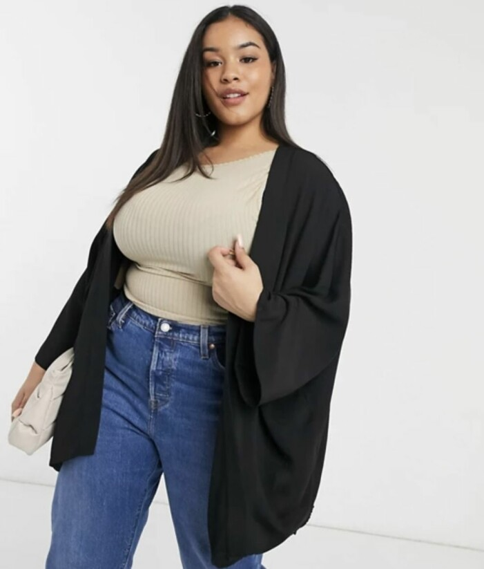 svart kimono i plus size