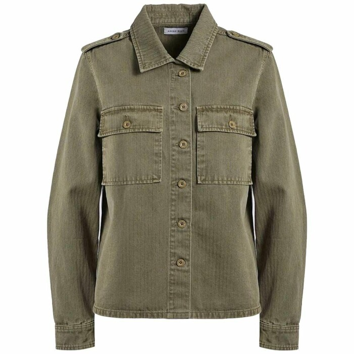 militärgrön skjortjacka från anine bing