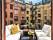 En snygg balkong med stilren inredning