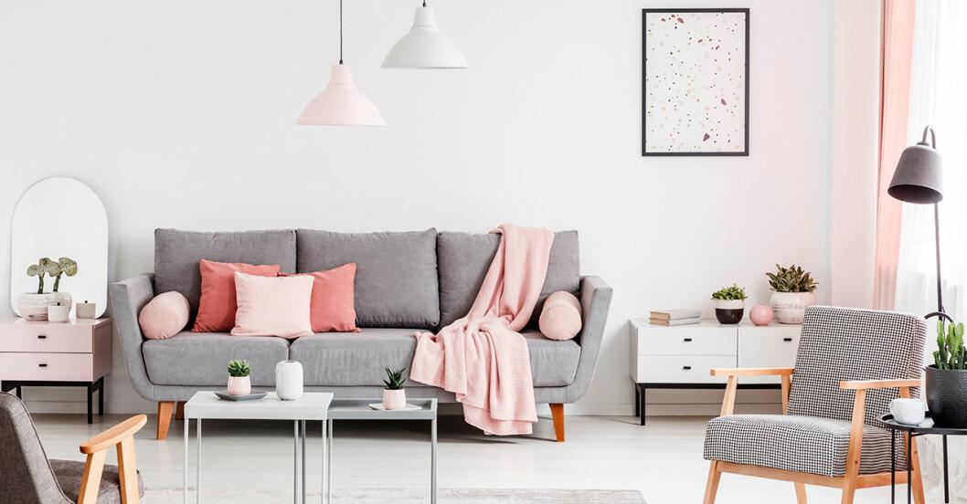 Ge soffan vårkänsla med kuddar