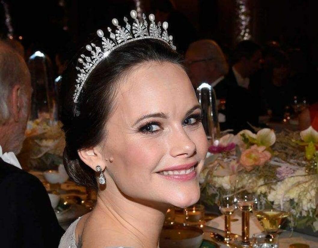 På Nobelfesten 2017 hade hon pärlor på briljantspetsarna.
