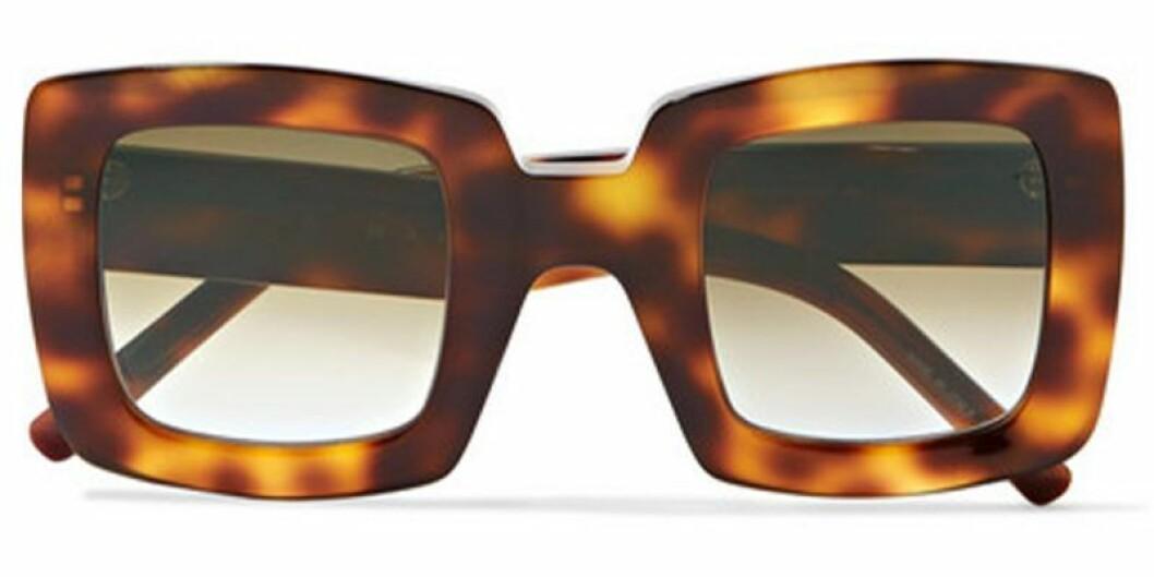 Stora solglasögon i fyrkantiga modell