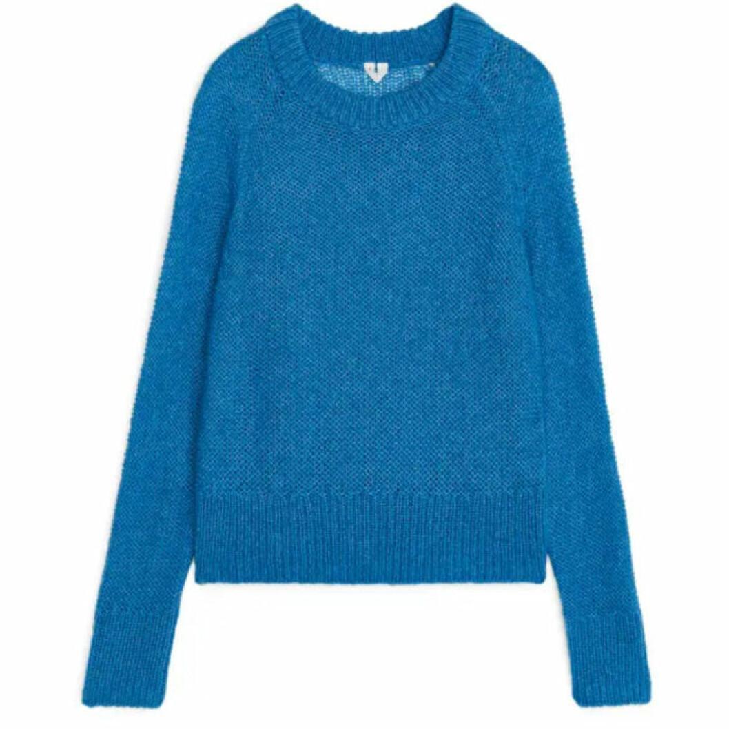 Blå stickad tröja från ARKET