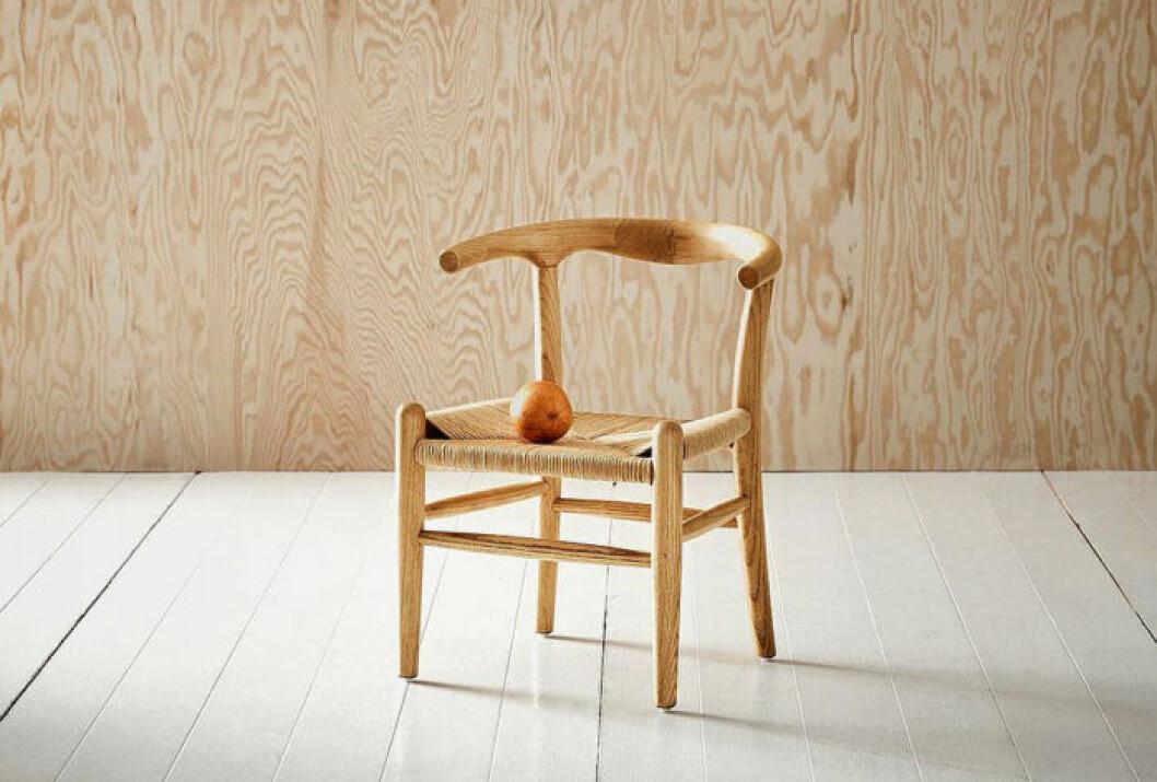 Designad trästol för barn