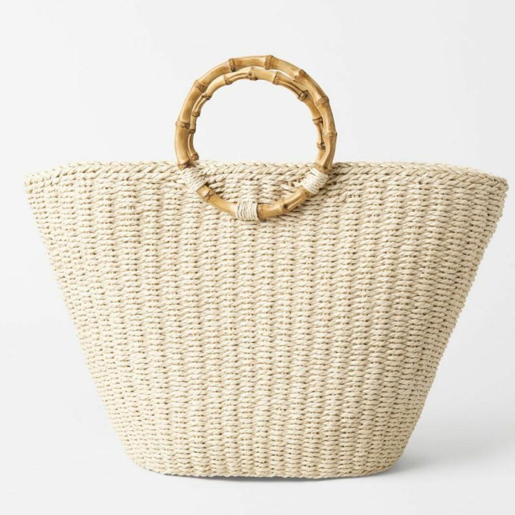 Stråväska i shoppingbag modell