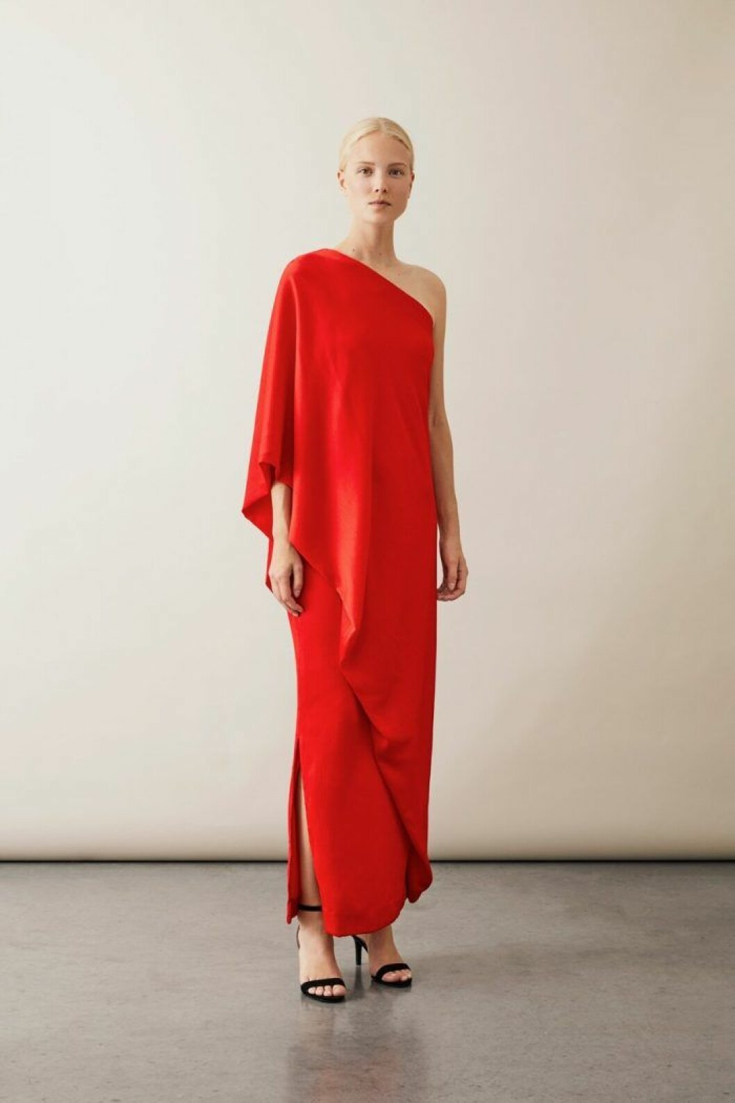 Röd klänning från Stylein