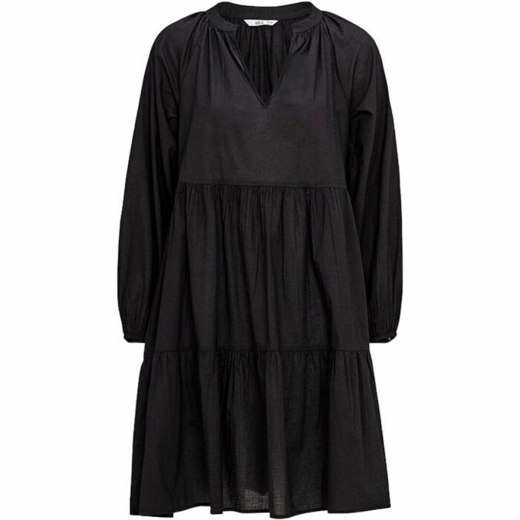 Svart klänning i oversize