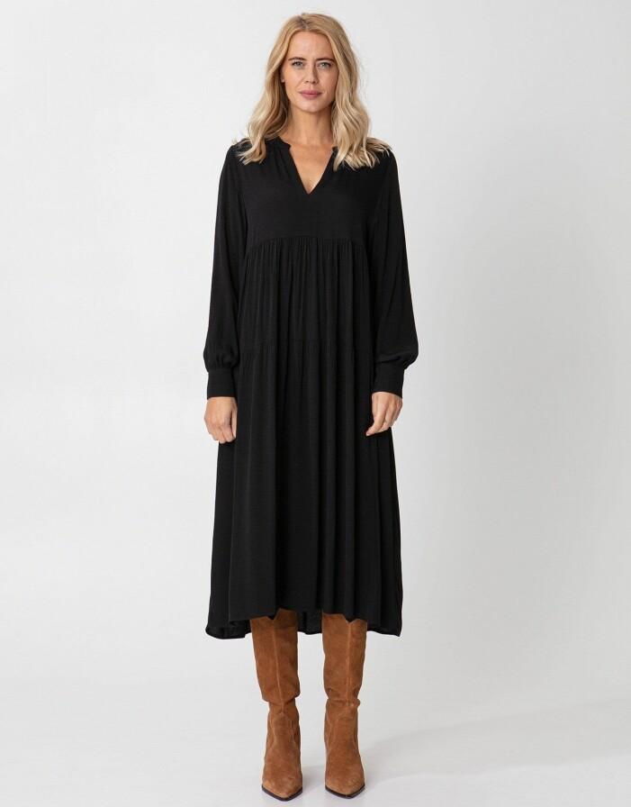 svart klänning indiska