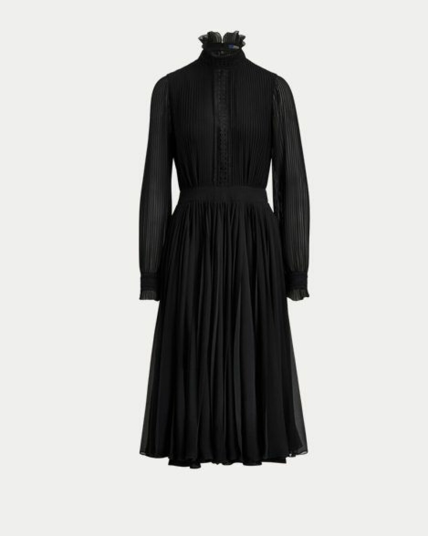 Svart plisserad klänning med hög hals och lång ärm från Ralph Lauren