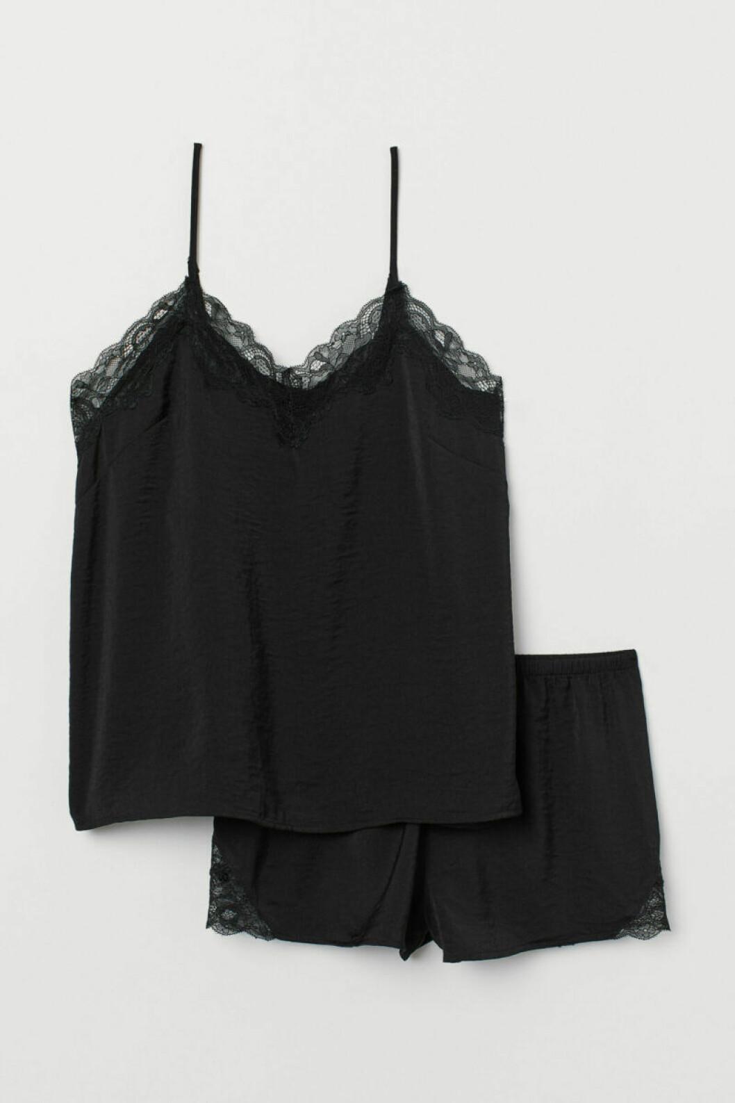 svart pyjamas