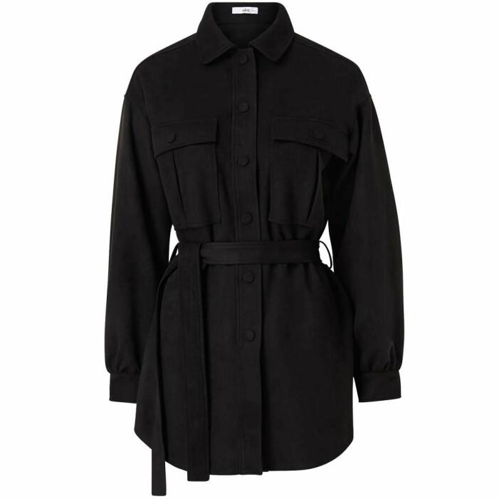 svart skjortjacka med skärp från ellos
