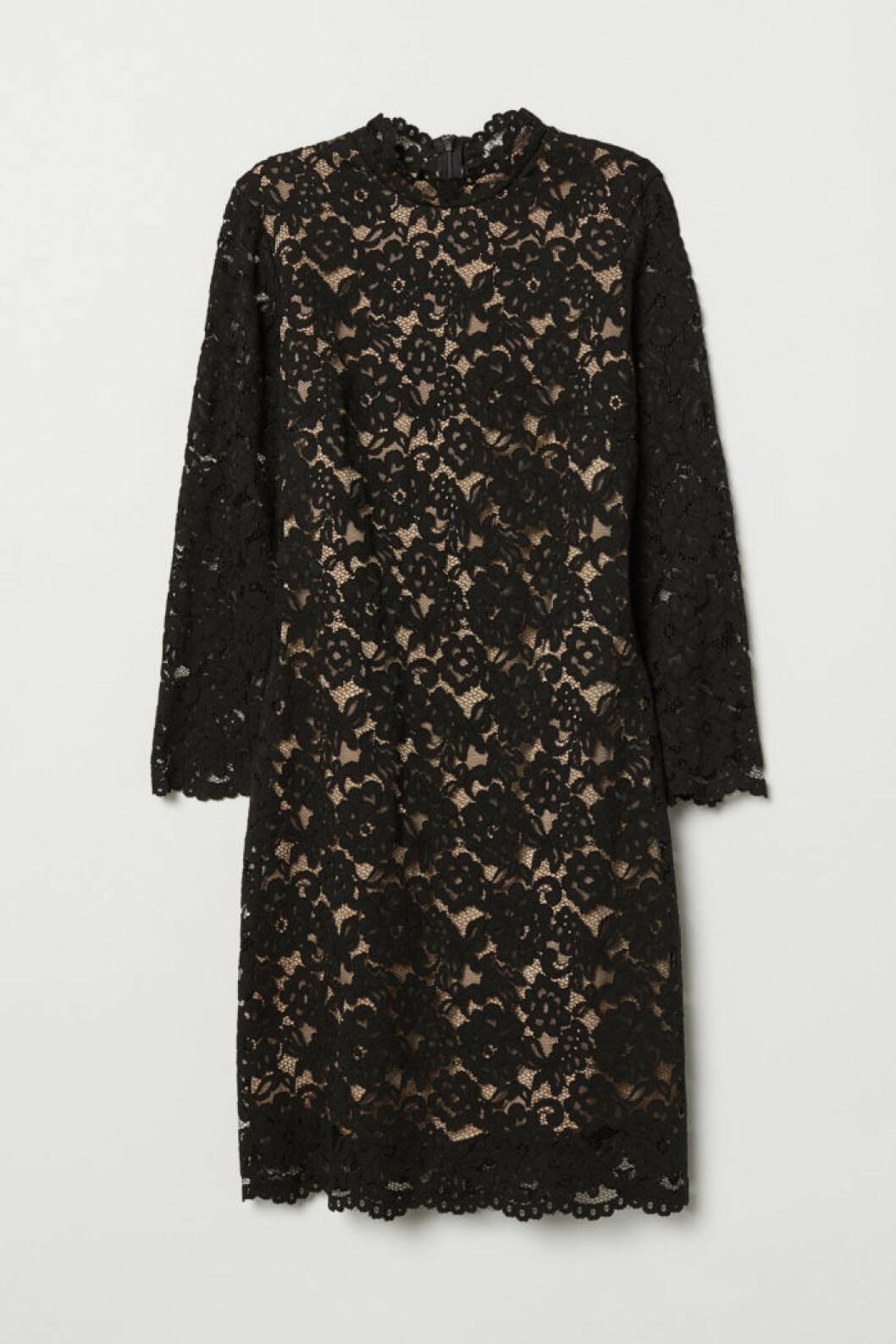 Kort snygg spetsklänning från H&M