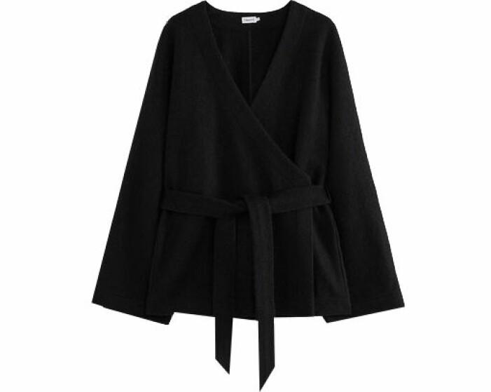 svart stickad tröja filippa k