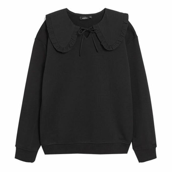 svart tröja med krage