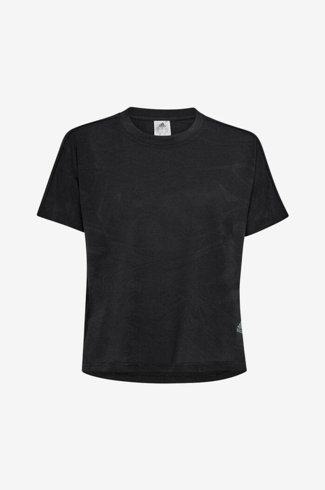 Svar t-shirt från Adidas