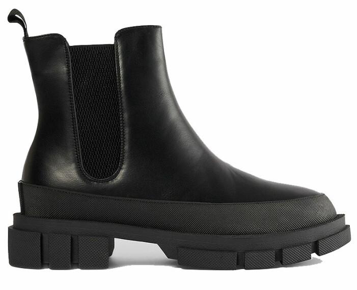 svarta chunky boots nakd