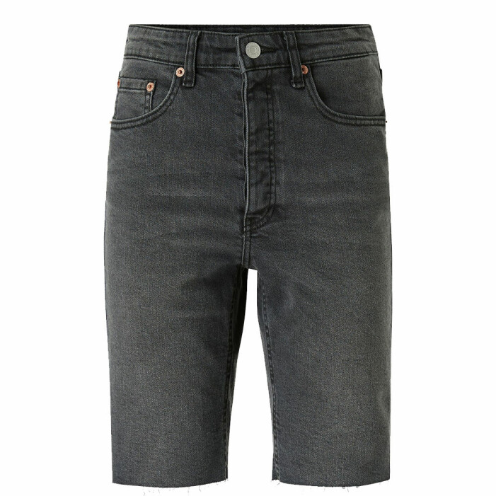 långa svarta jeansshorts
