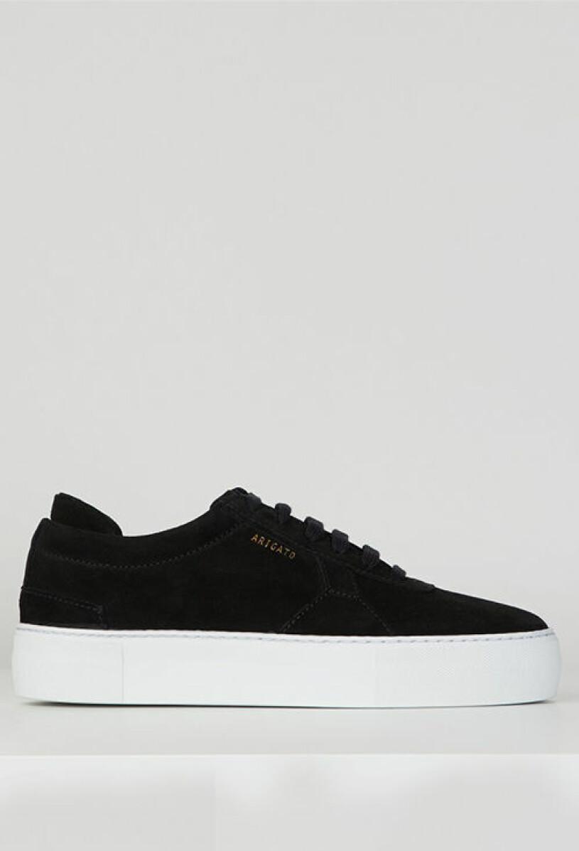 svarta-sneakers-axel-arigato