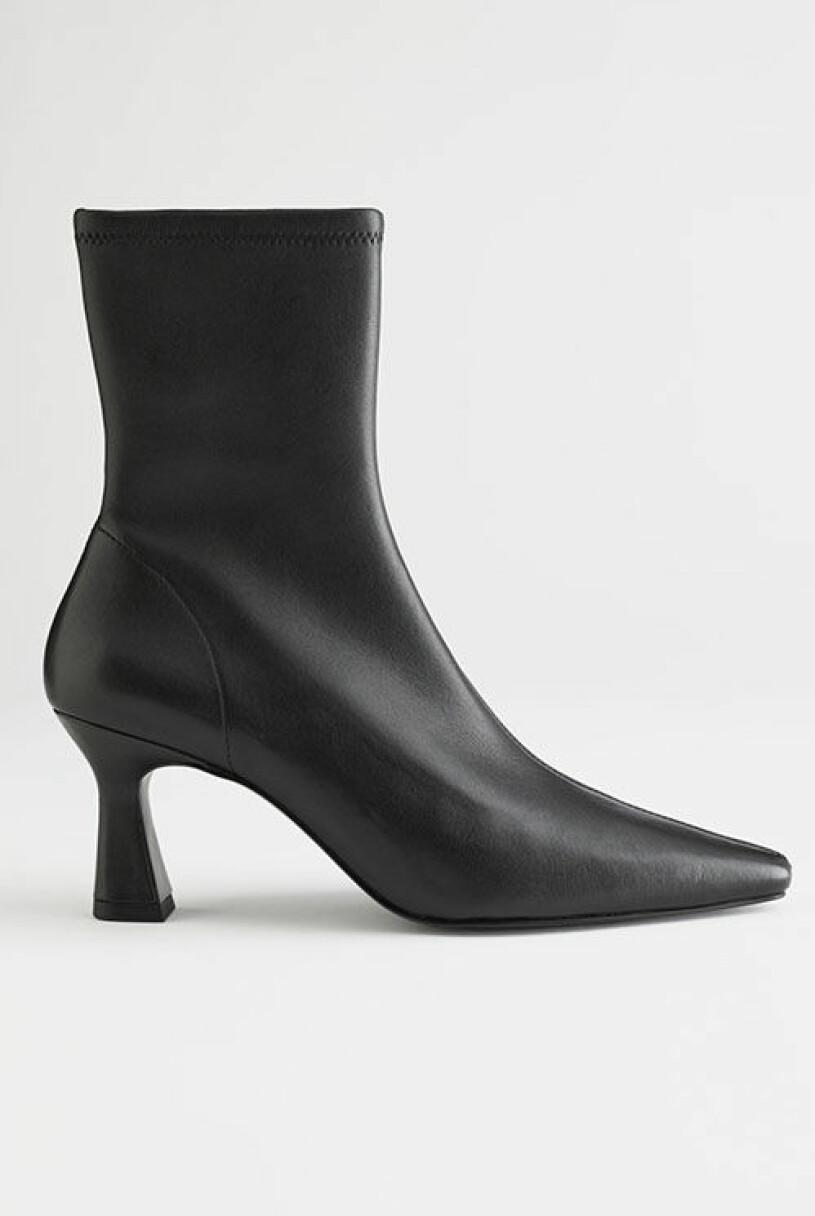 svartvitt-boots