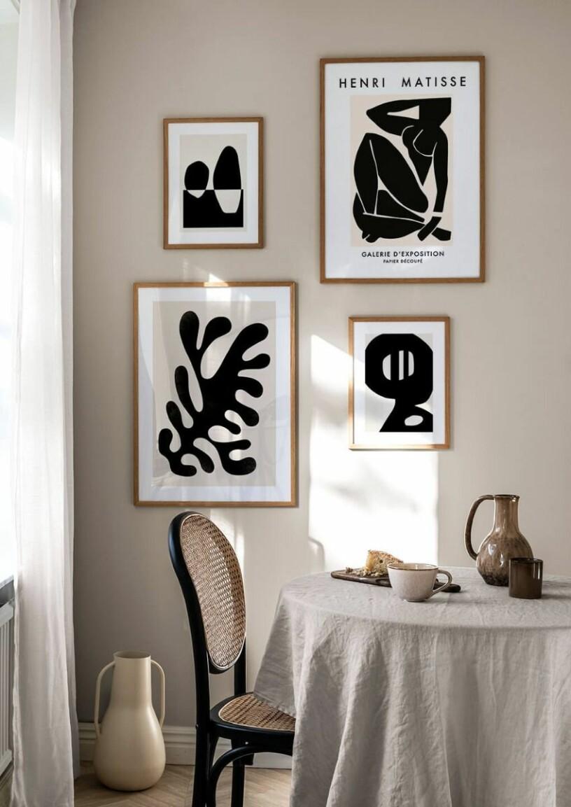 Stilfull beige, vit och svart tavelvägg från postery