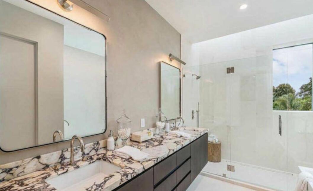 John Legend och Chrissy Teigens nya hus, badrum