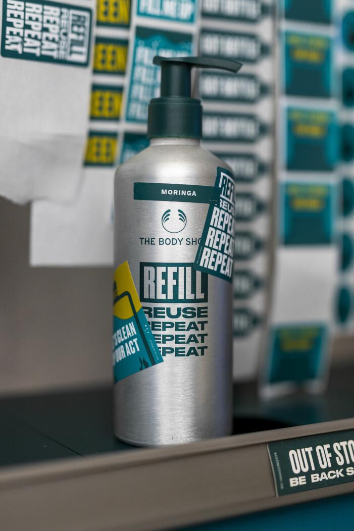 refill-flaska skräddarsydd med stickers