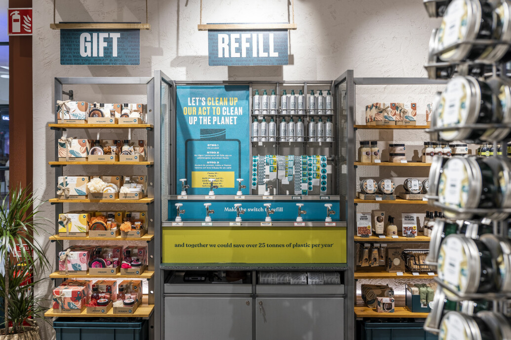 the body shops nya refill-vägg i mall of scandinavia
