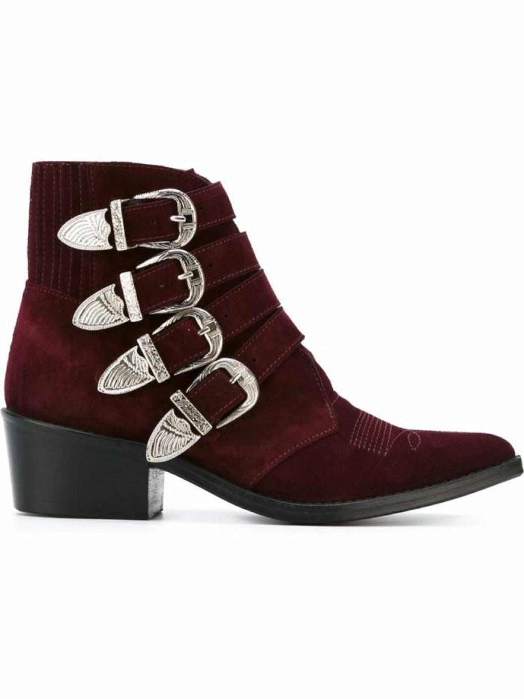 boots-toga-pulla