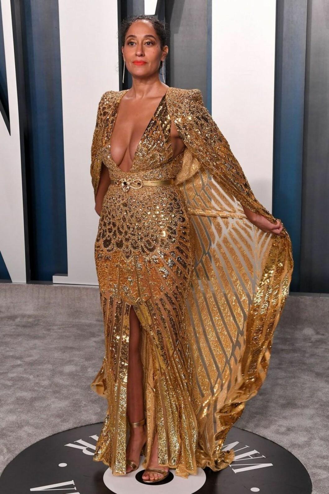 Tracee Ellis Ross i guldig klänning