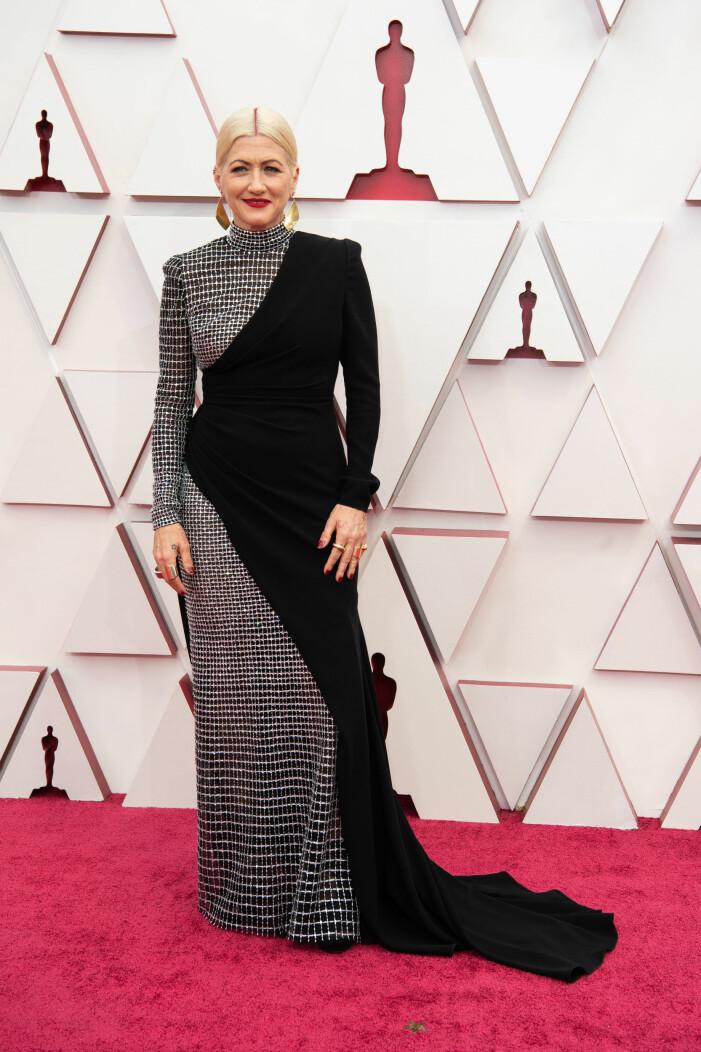 Trish Summerville på röda mattan på Oscarsgalan 2021