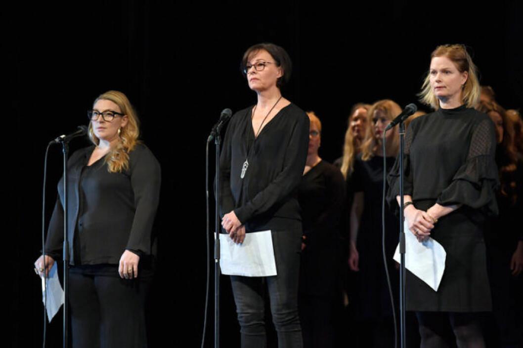 Kajsa Ernst i manifestationen tystnadtagning